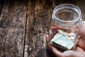 Cos'è il Fundraising? E come funziona? Quali certificazioni servono per operare come professionista? Scoprilo ora nella guida completa alla raccolta fondi.